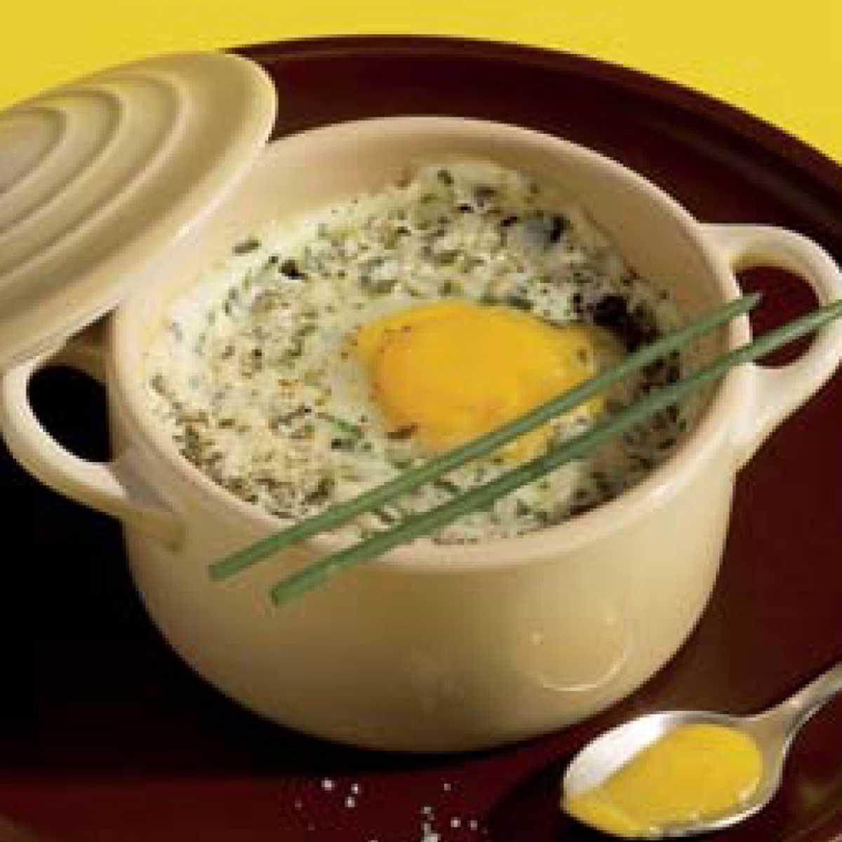 recette uf de caille en cocotte et en faisselle fa on cervelle de canut cuisine madame figaro. Black Bedroom Furniture Sets. Home Design Ideas
