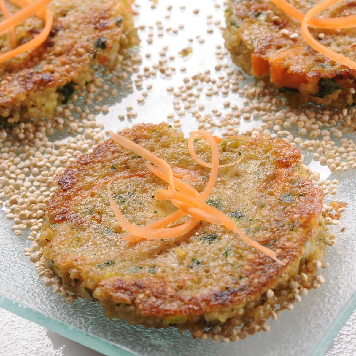 recette galettes de quinoa aux carottes et aux poireaux cuisine madame figaro. Black Bedroom Furniture Sets. Home Design Ideas