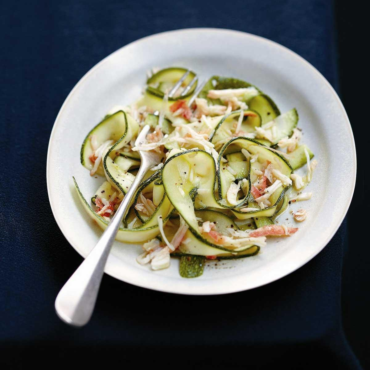 recette carpaccio de courgettes la chair de crabe cuisine madame figaro. Black Bedroom Furniture Sets. Home Design Ideas