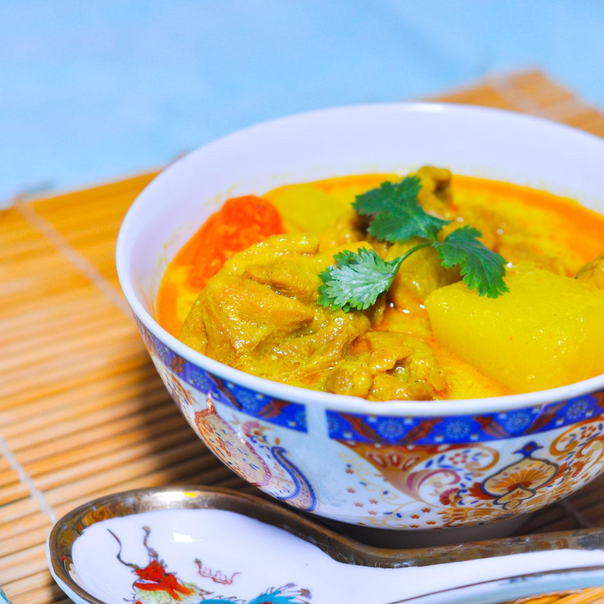 Recette curry de poulet à la thaï - Cuisine / Madame Figaro