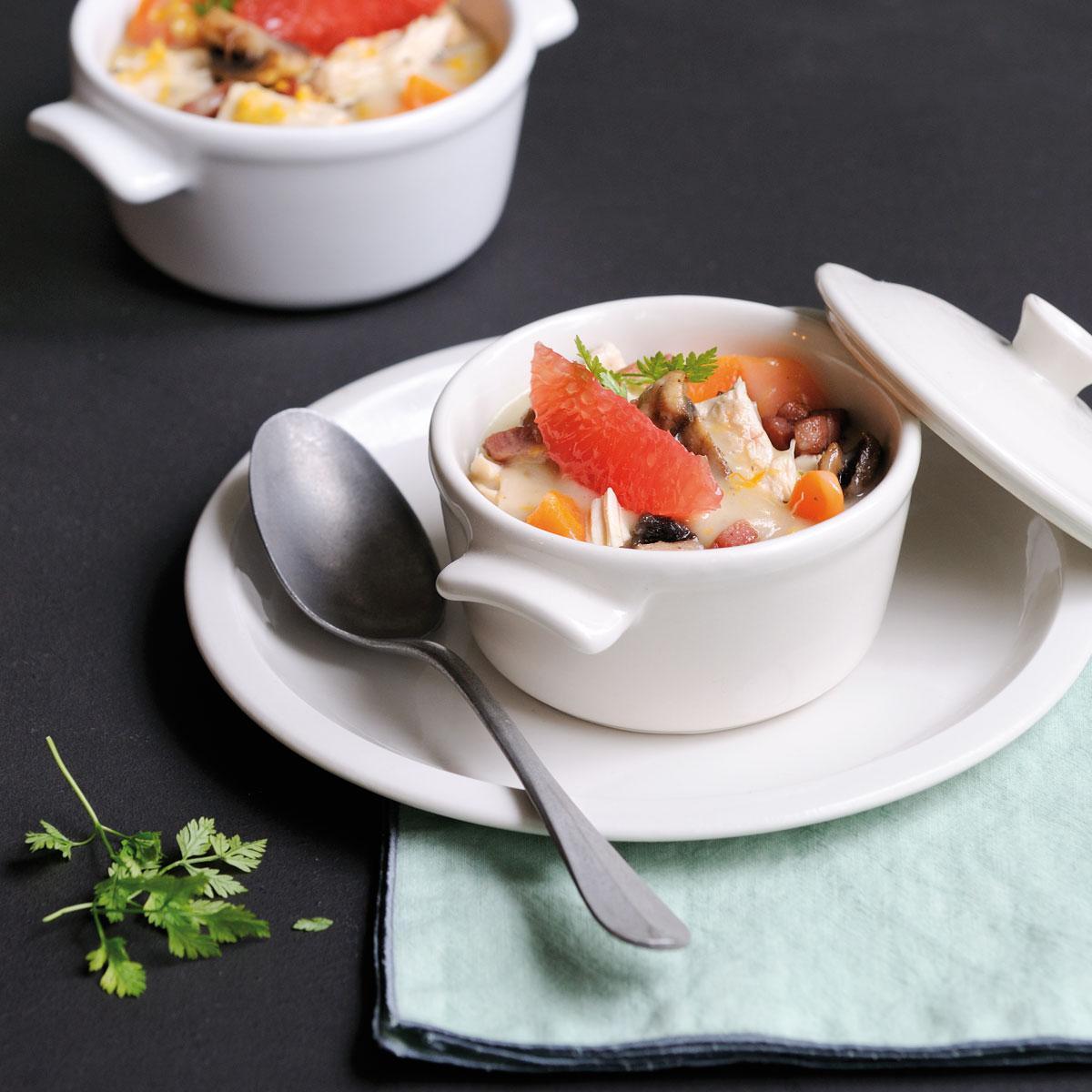 recette blanquette de volaille au pamplemousse cuisine madame figaro. Black Bedroom Furniture Sets. Home Design Ideas