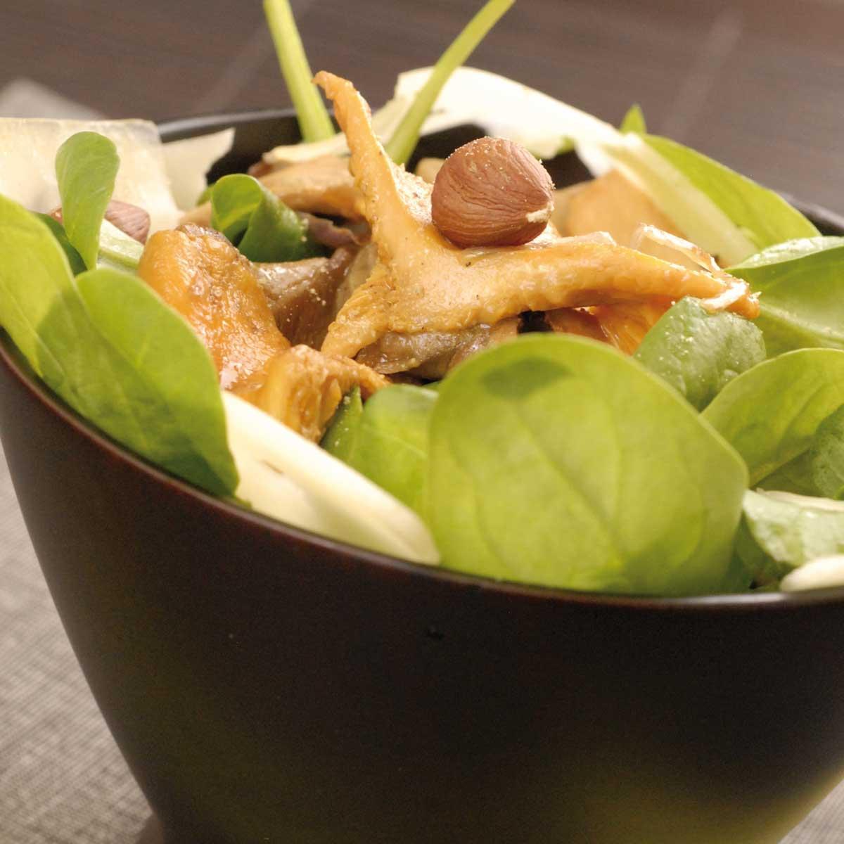 Recette salade en chaud froid de champignons aux chalotes for Salade en entree originale