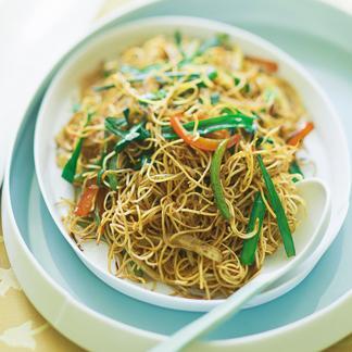 Recette nouilles saut es au poulet et pousses de soja - Cuisiner des pousses de soja ...