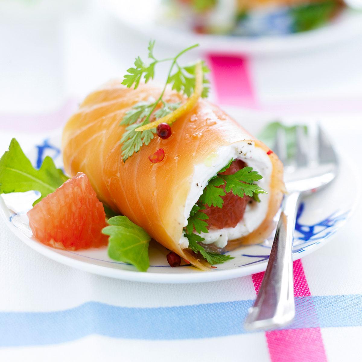 Recette roul s de saumon marin aux herbes et pamplemousse for Cuisine facile originale