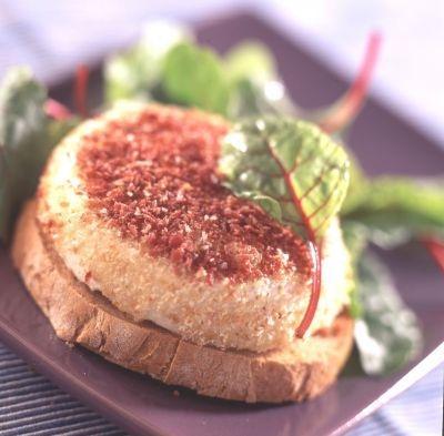 tomme vaudoise pan e au bacon une recette fromage cuisine le figaro madame. Black Bedroom Furniture Sets. Home Design Ideas