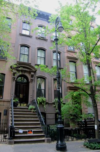 La maison de carrie bradshaw vendue madame figaro for Veltroni casa new york