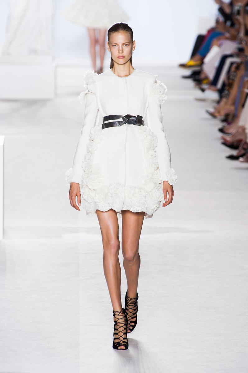 Défilé Giambattista Valli Automne-hiver 2013-2014 Couture ...