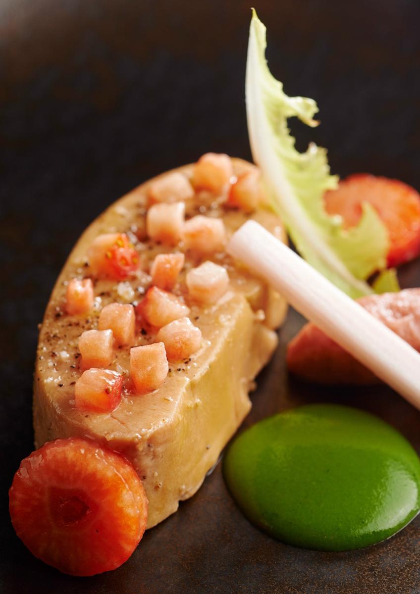 Recette foie gras de canard fraise et rhubarbe cuisine - Recette de foie gras ...