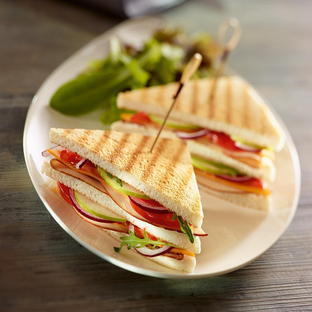 Recette club sandwich au filet de poulet cuisine - Recette sandwich pain de mie ...