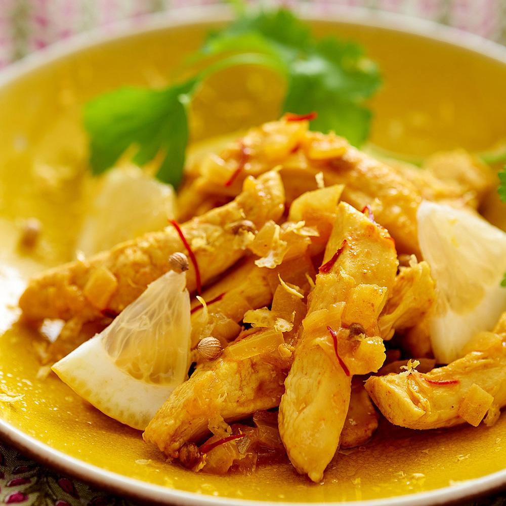 poulet au citron confit une recette epic 233 cuisine le figaro madame