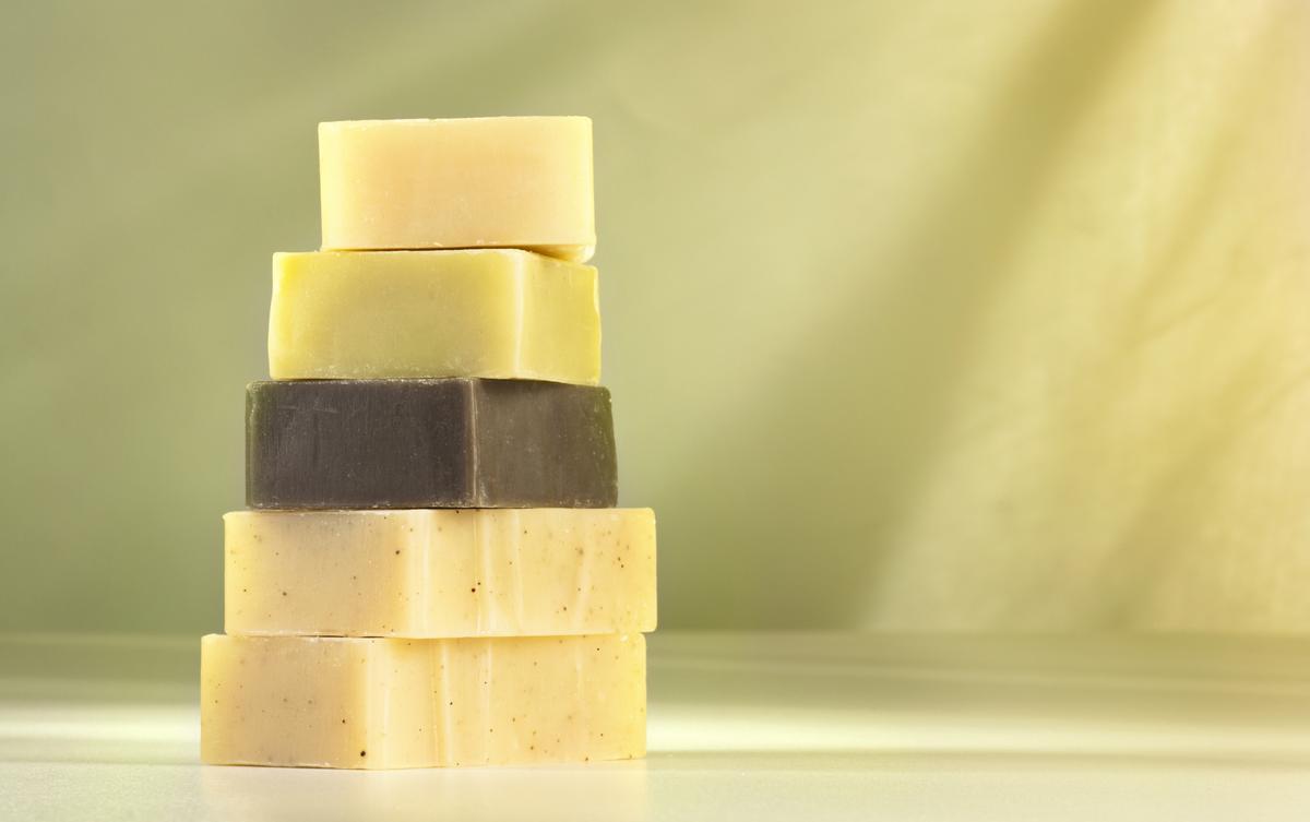 fabriquer son propre savon c 39 est possible madame figaro. Black Bedroom Furniture Sets. Home Design Ideas