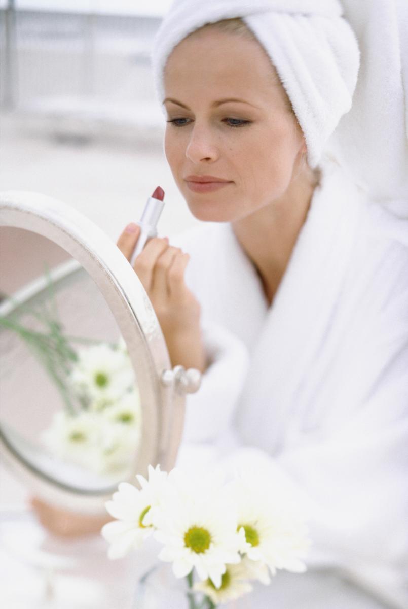Comment choisir son miroir grossissant madame figaro - Quel miroir grossissant choisir ...