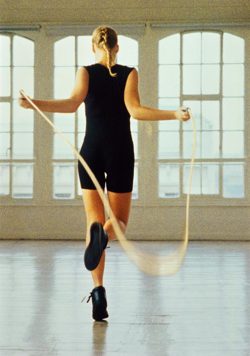 la corde sauter l 39 exercice qui fait perdre du poids le figaro madame. Black Bedroom Furniture Sets. Home Design Ideas