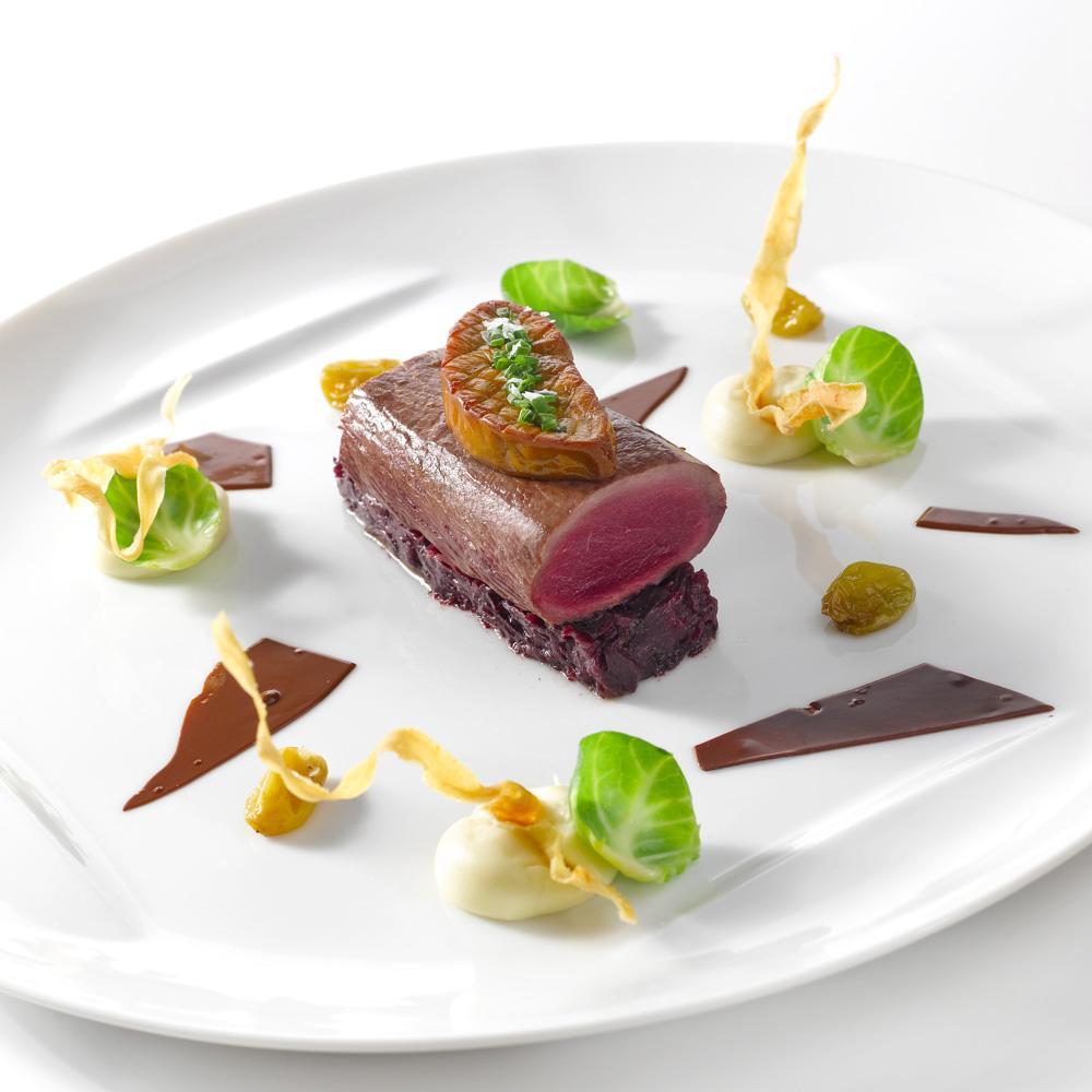 recette dos de chevreuil d 39 cosse et foie gras po l. Black Bedroom Furniture Sets. Home Design Ideas