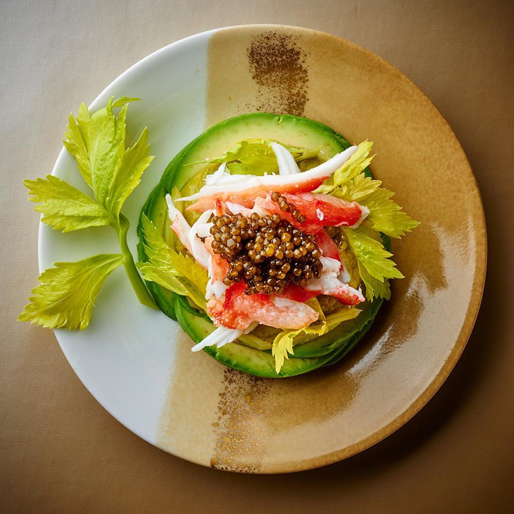 recette king crabe avocat et caviar cuisine madame figaro. Black Bedroom Furniture Sets. Home Design Ideas