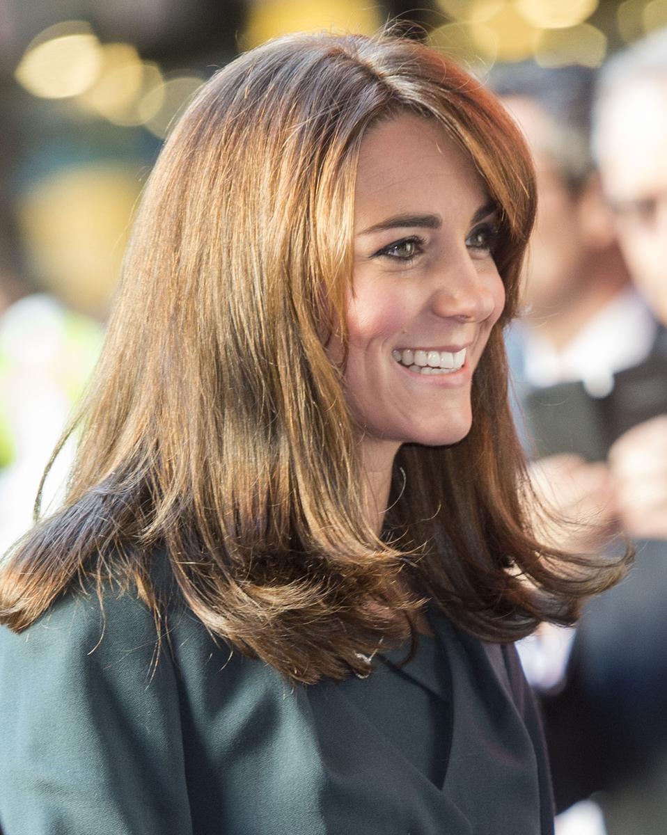 Kate middleton a une nouvelle coupe de cheveux madame figaro for Coupe cheveux kate middleton