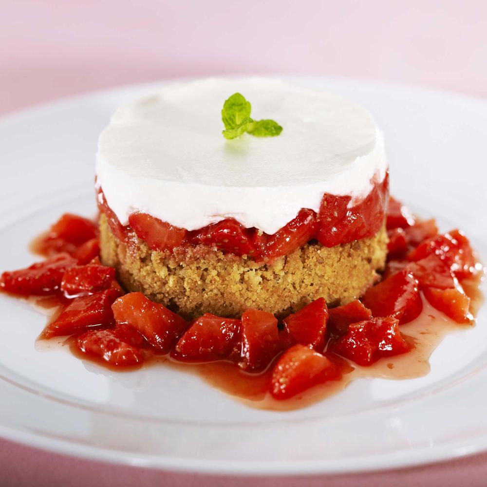 cheesecake aux fraises des bois par eric sapet une recette dessert cuisine le figaro madame. Black Bedroom Furniture Sets. Home Design Ideas