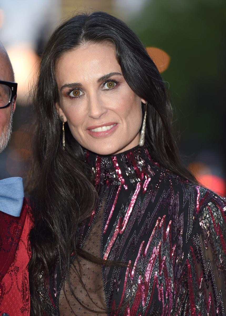 Demi Moore et le Prince Andrew en couple : trois raisons ... Tobey Maguire Instagram