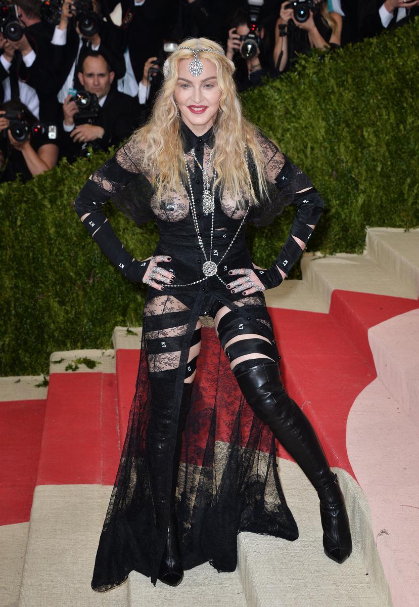 Madonna Rihanna Lady Gaga Les Pires Tenues Des