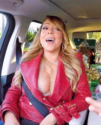 Le décolleté de Mariah Carey vous souhaite un joyeux Noël