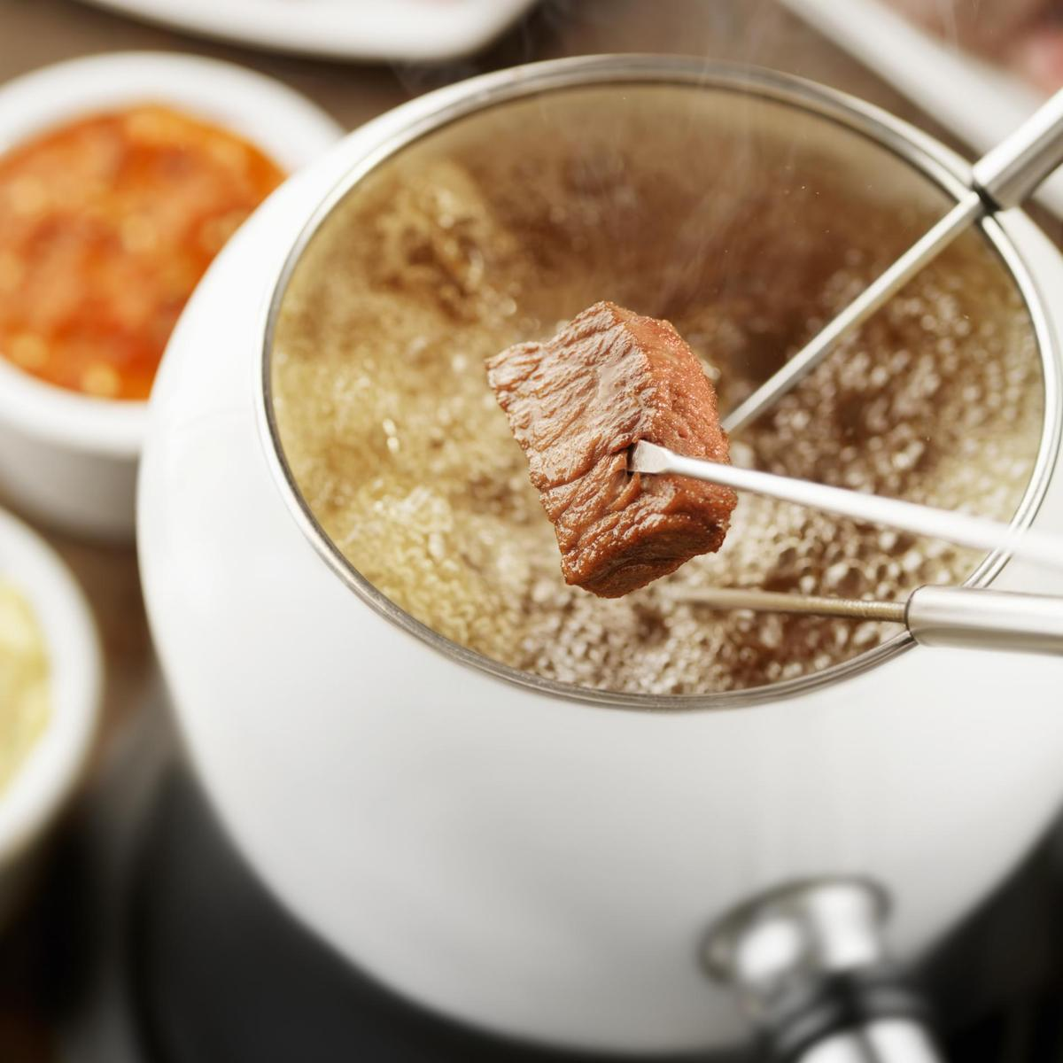 Recette fondue bourguignonne cuisine madame figaro - Cuisine bourguignonne ...