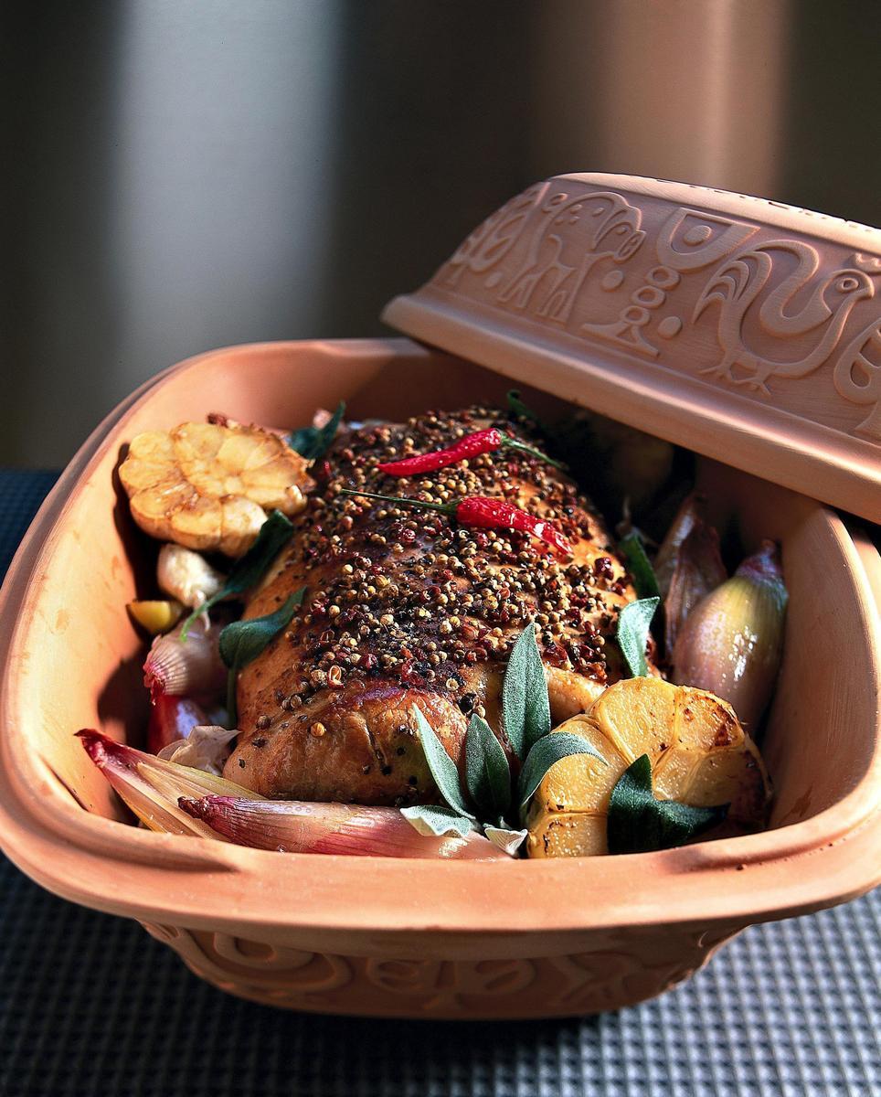 Recette r ti de porc aux pices cuisine madame figaro - Cuisiner le veau en cocotte ...