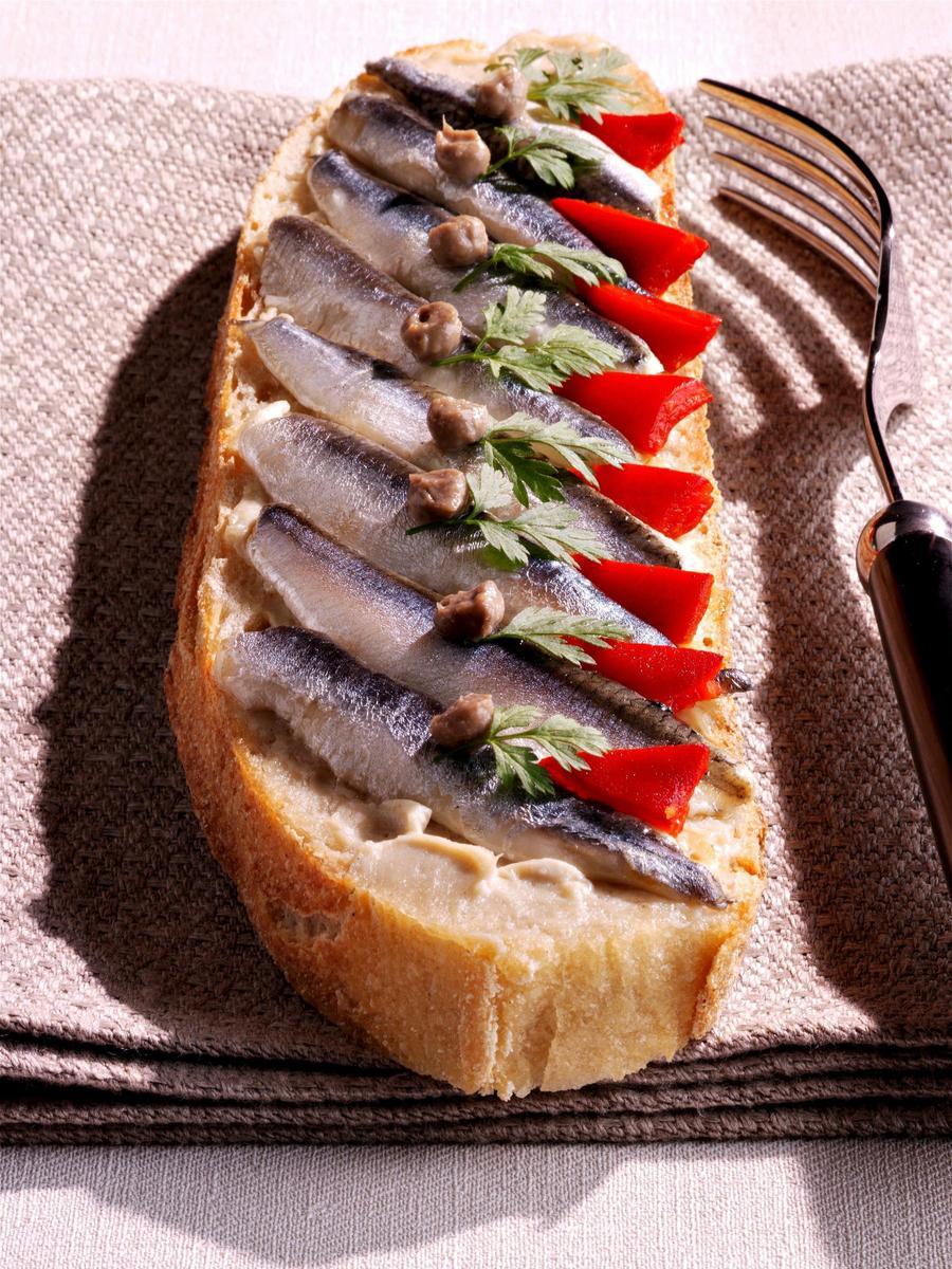 Recette tartines d anchois la basque cuisine madame for Agencement cuisine du sud