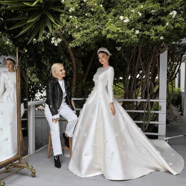 Miranda Kerr s\u0027inspire de Grace Kelly pour sa robe de mariée Dior , Madame  Figaro