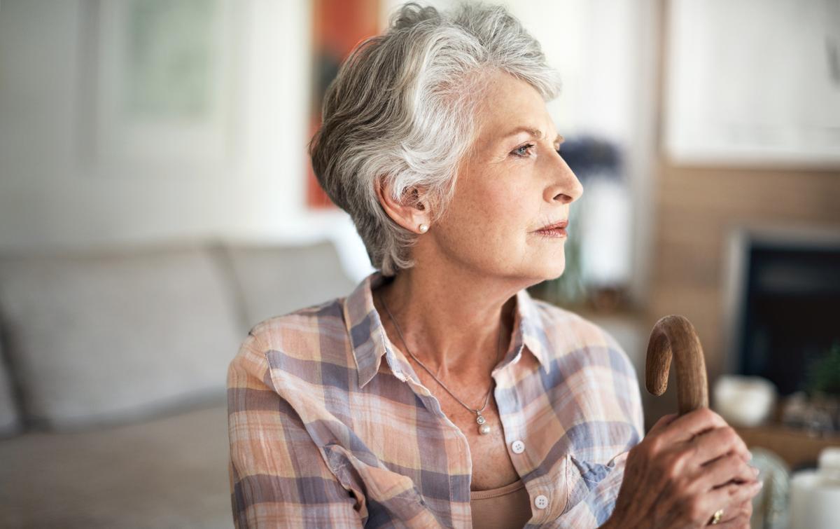 Les femmes vivent plus longtemps que les hommes, mais en ...