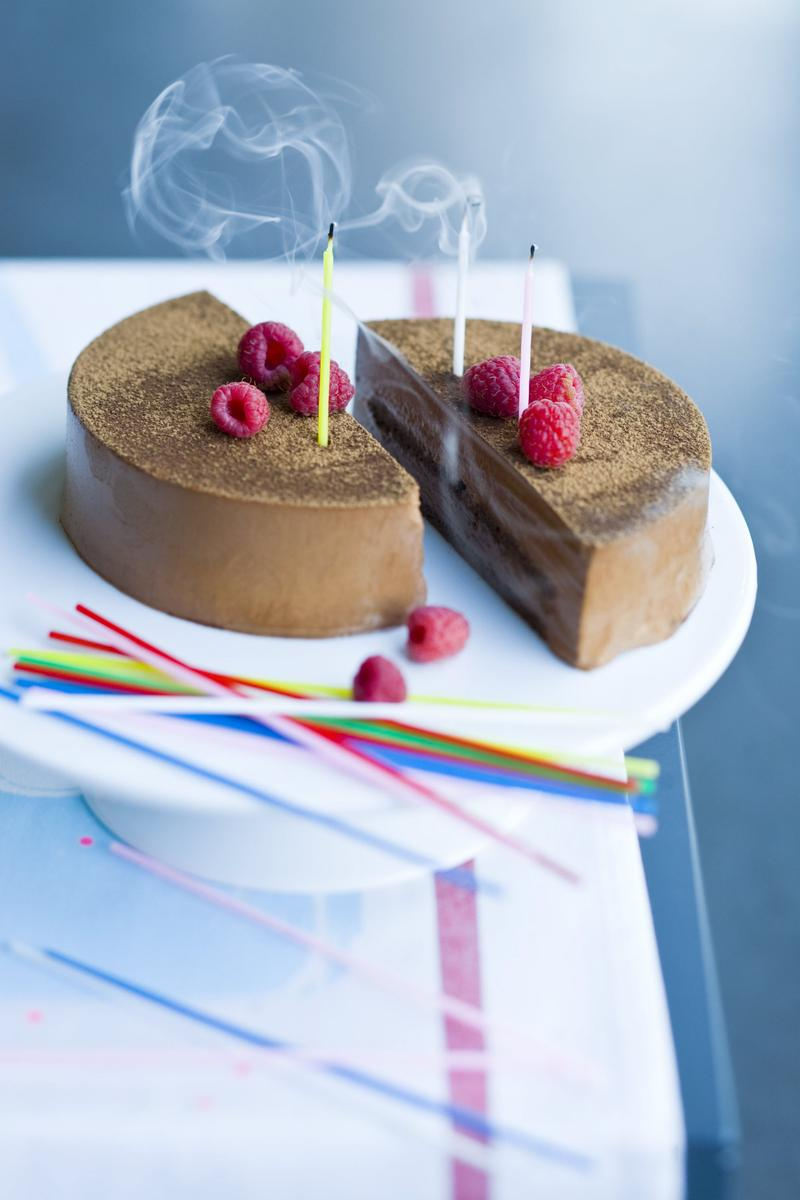 Recette le g teau d 39 anniversaire au chocolat cuisine madame figaro - Gateau anniversaire rapide ...