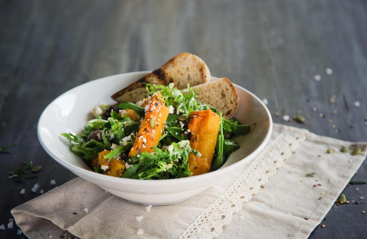 recette salade de potimarron lardons et uf dur cuisine madame figaro. Black Bedroom Furniture Sets. Home Design Ideas