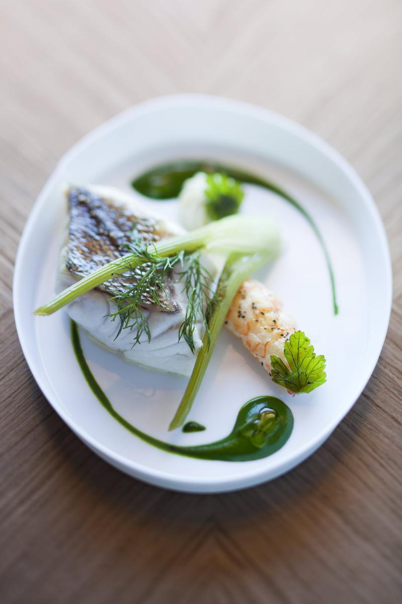 recette sandre la vapeur d 39 algues et sauce verte cuisine madame figaro. Black Bedroom Furniture Sets. Home Design Ideas
