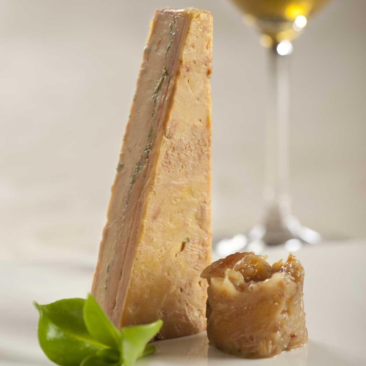 Recette foie gras au zeste de citron vert confit de dattes cuisine madame figaro - Recette du foie gras ...