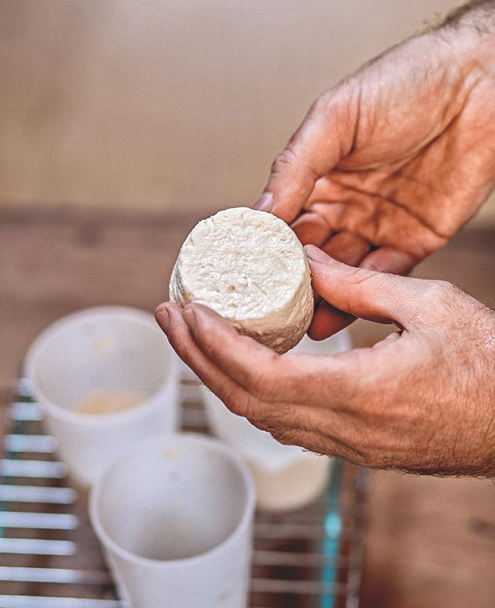 Crottin feta faisselle comment faire son fromage la maison cuisine madame figaro - Fabriquer son desodorisant maison ...