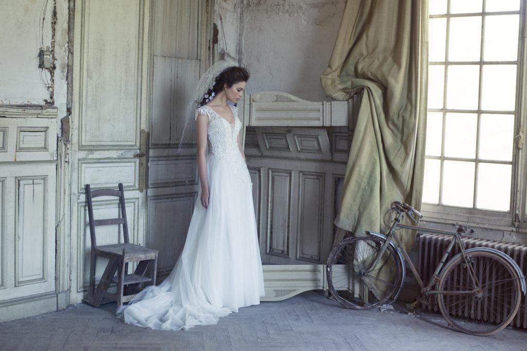 Quelle robe de mari e choisir lorsque l 39 on a une forte for Combien sont les robes de mariage de caroline herrera