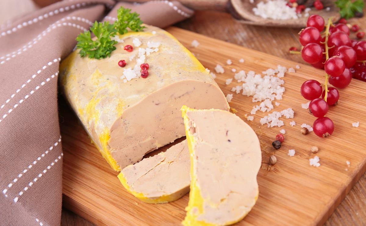 Recette terrine au foie gras cuisine madame figaro - Recette terrine foie gras ...