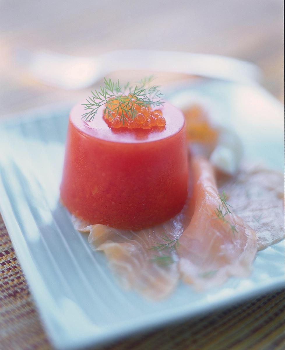 Recette bavarois au bloody mary saumon fum et uf mollet cuisine madame figaro - Recette bloody mary ...