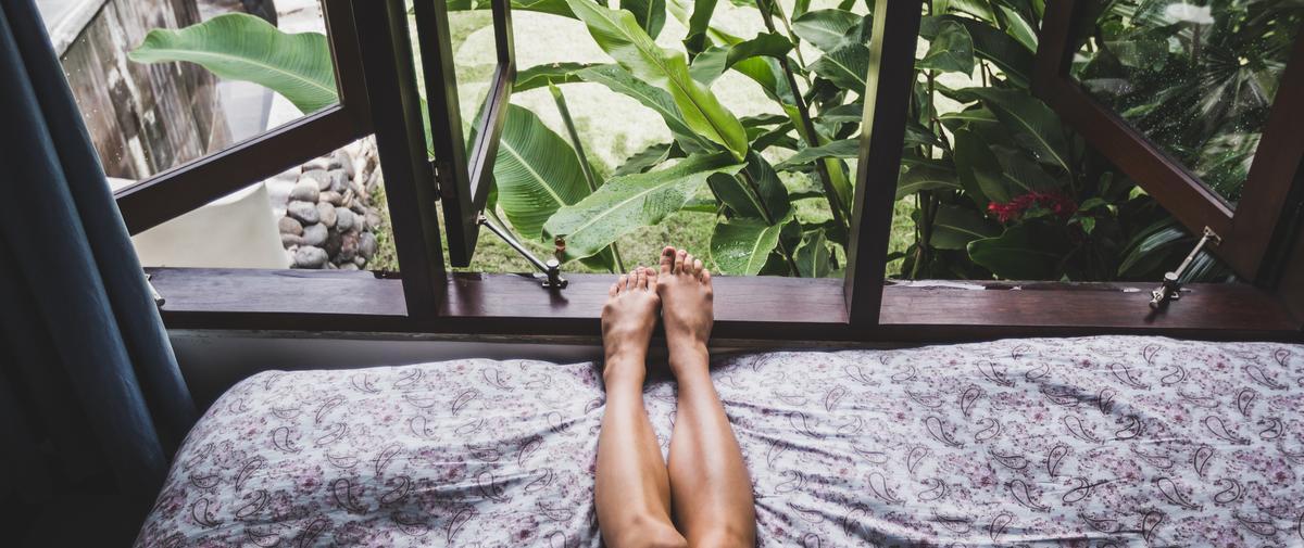 Les bons gestes pour s'endormir quand il fait chaud