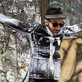 Street art: JR fait tomber les murs