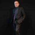 """Michael Burke: """"En lançant sa parfumerie, Louis Vuitton revient aux sources"""""""