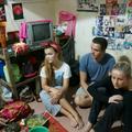 En immersion au Cambodge, de jeunes accros à la mode craquent