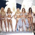 Laetitia Casta, Tyra Banks, Alessandra Ambrosio... Le meilleur et le pire des défilés Victoria's Secret en photos et vidéo