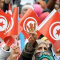 """Tunisie : cinq ans après la révolution, cette femme """"regrette"""" sa participation"""