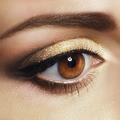 Maquillage des yeux : focus sur le contouring des sourcils