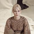 New couture : Aymeline Valade photographiée par Olivier Saillard