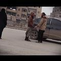 Vidéo : deux Syriennes filment en caméra cachée leur quotidien à Raqqa