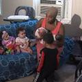 Une Américaine a accouché de 3 paires de jumeaux en 3 ans