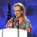 """Meryl Streep et sa robe """"patriote"""" enflamment la convention démocrate pour Hillary Clinton"""