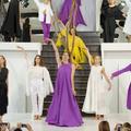 Givenchy, Stella McCartney, Sacai... Un vent de féminité souffle sur Paris