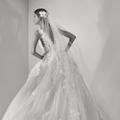 Elie Saab dévoile ses nouvelles robes de mariée oniriques